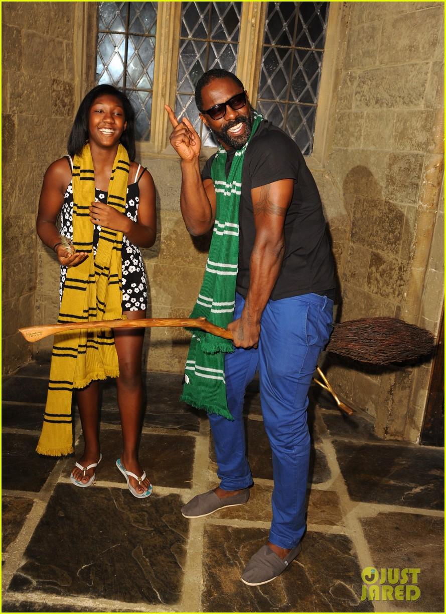 idris elba goofs around on a harry potter broomstick 033148756