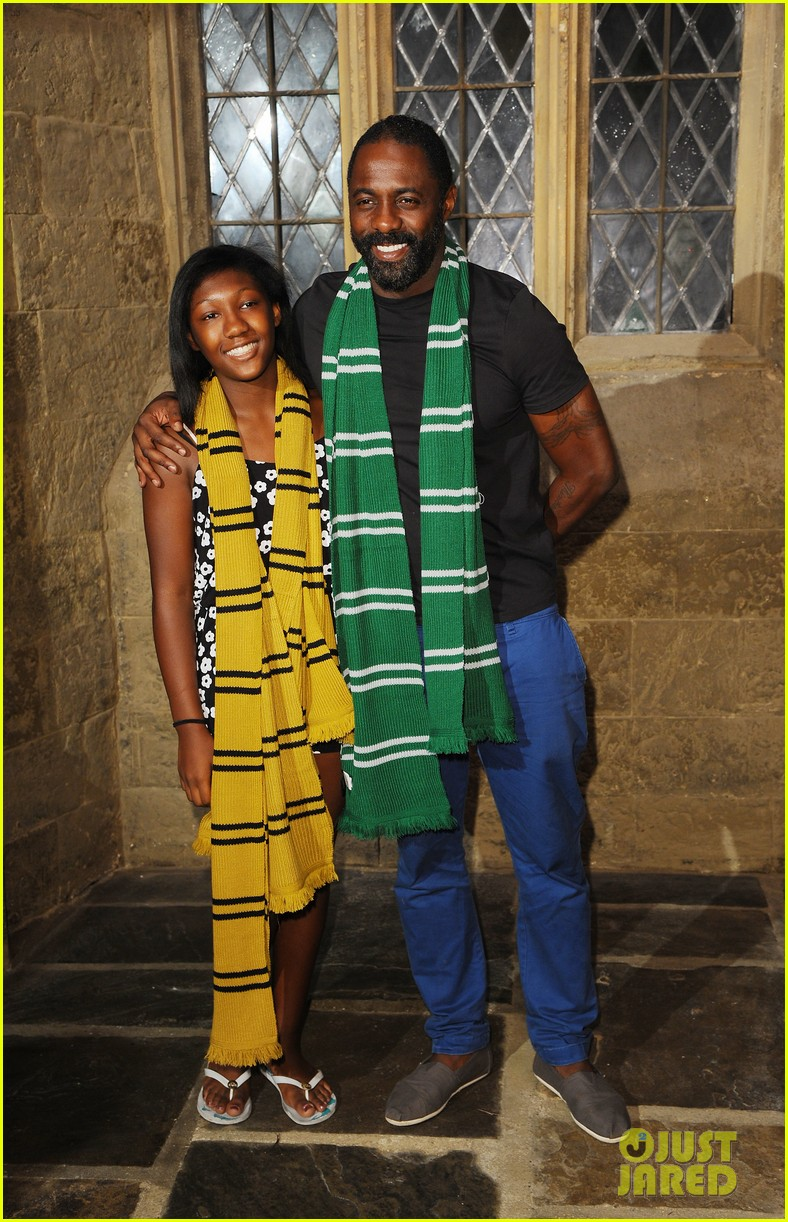 idris elba goofs around on a harry potter broomstick 043148757
