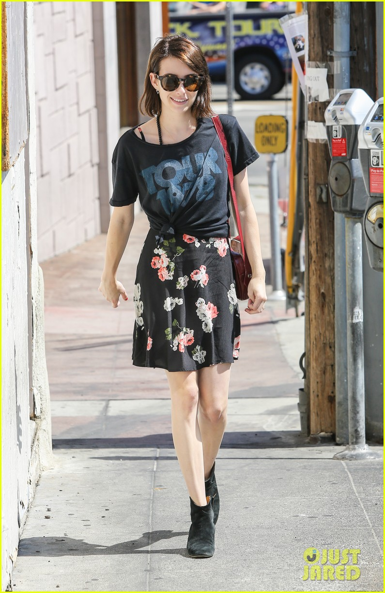 emma roberts takes break ashby filming 013147362