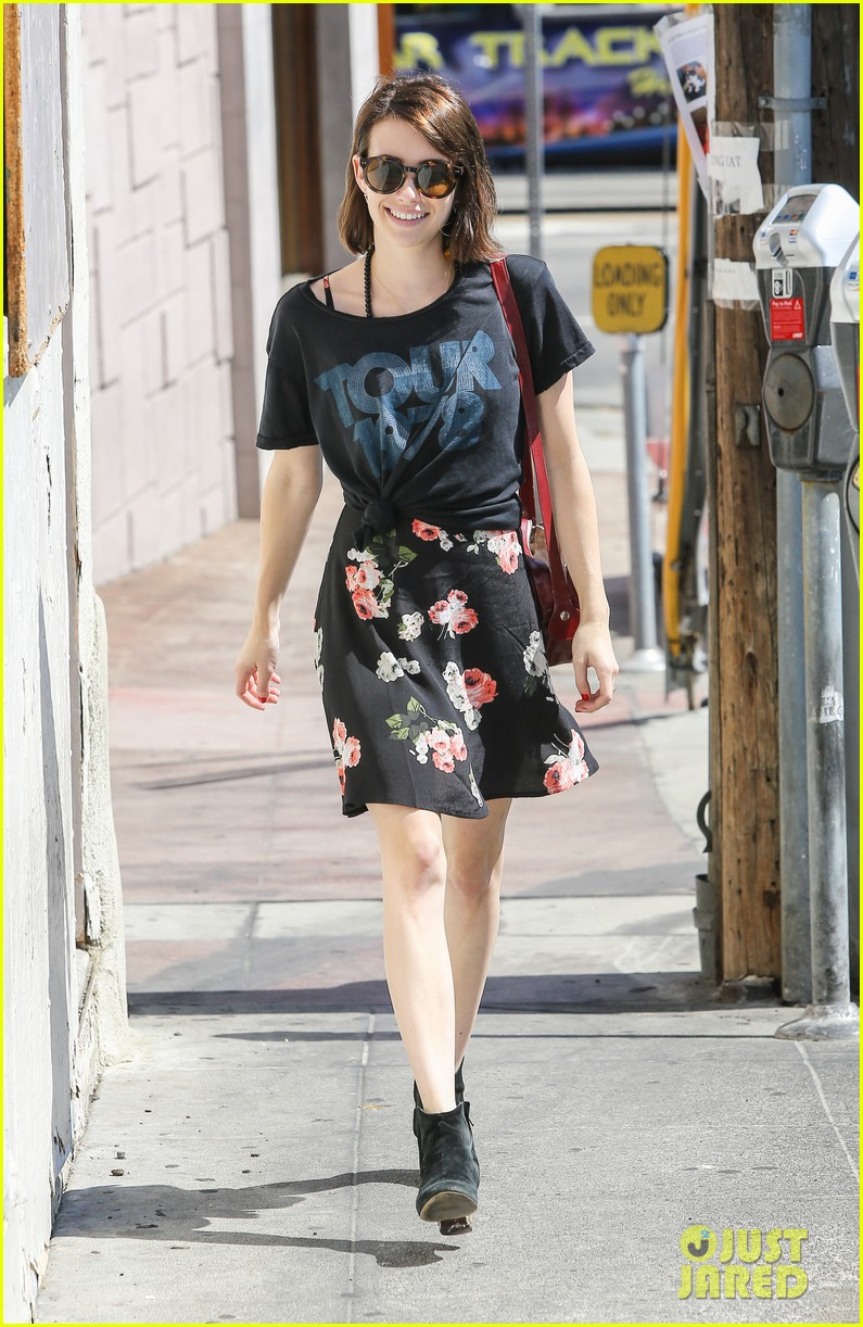 emma roberts takes break ashby filming 07