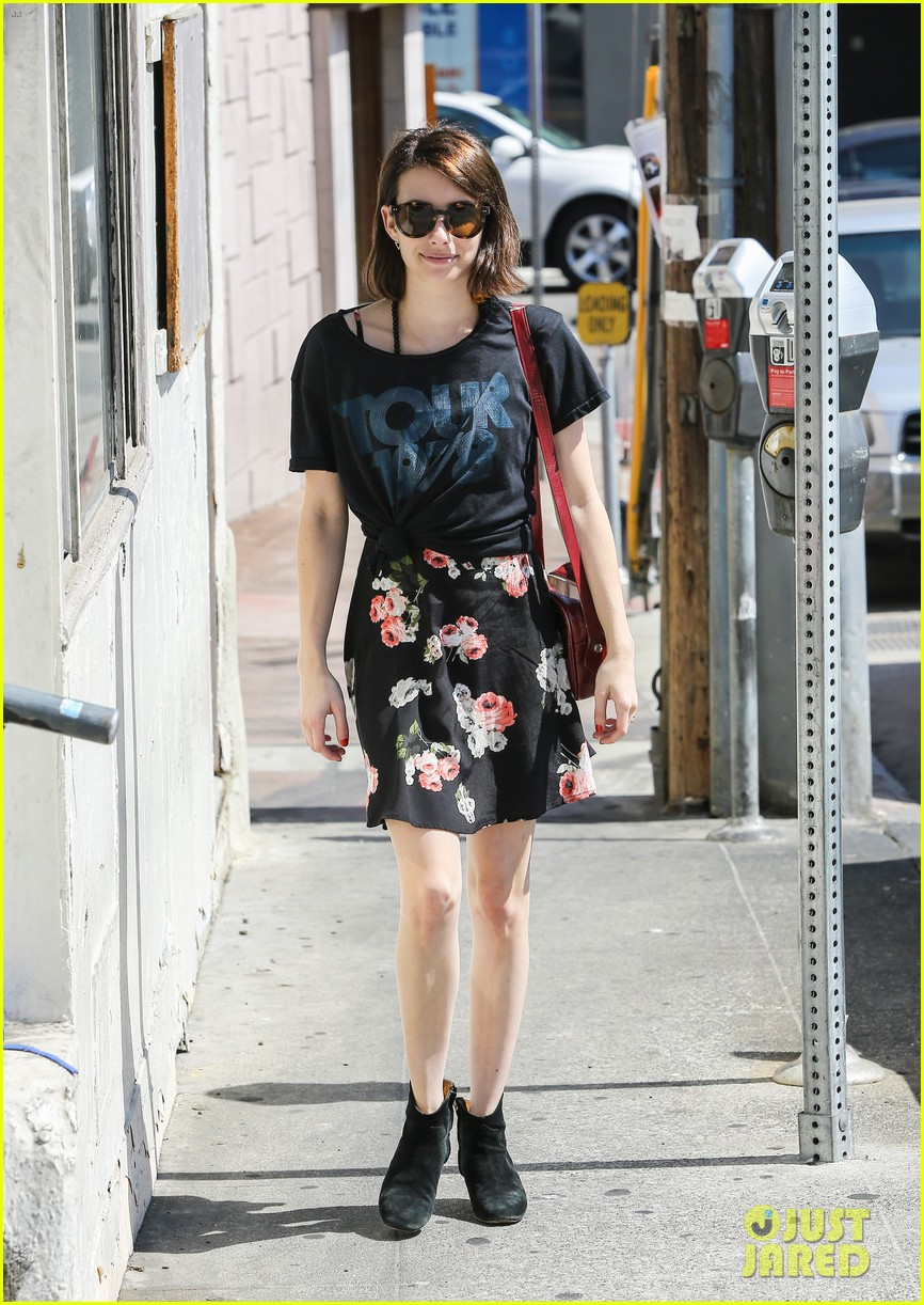 emma roberts takes break ashby filming 083147369