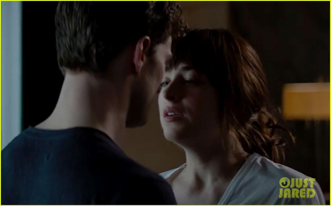 Fifty Shades Of Grey Trailer Starring Shirtless Jamie Dornan Dakota Johnson Is Here Its Super Steamy Watch Now