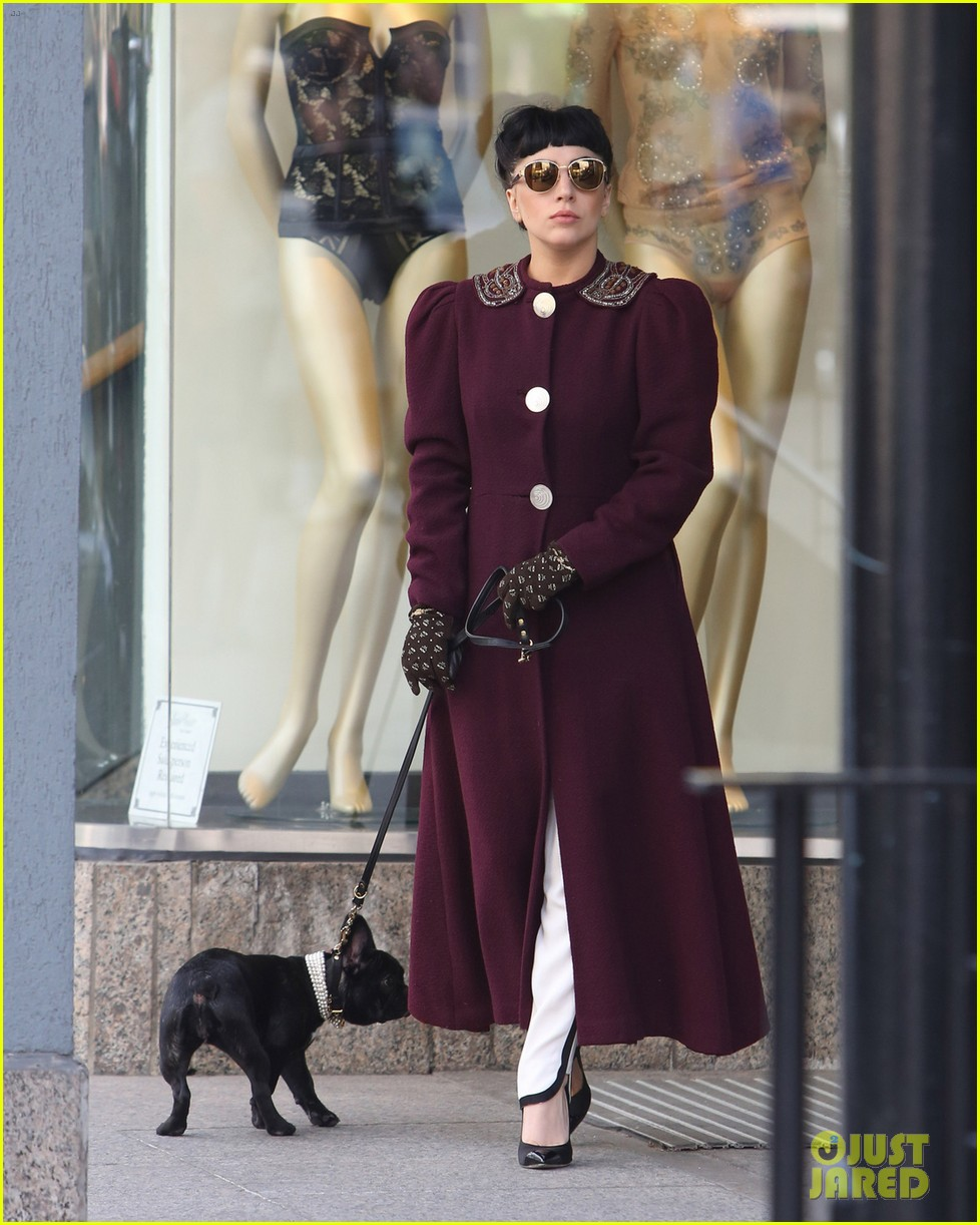 lady gaga spotted shopping at wedding dress store with mom 033150971