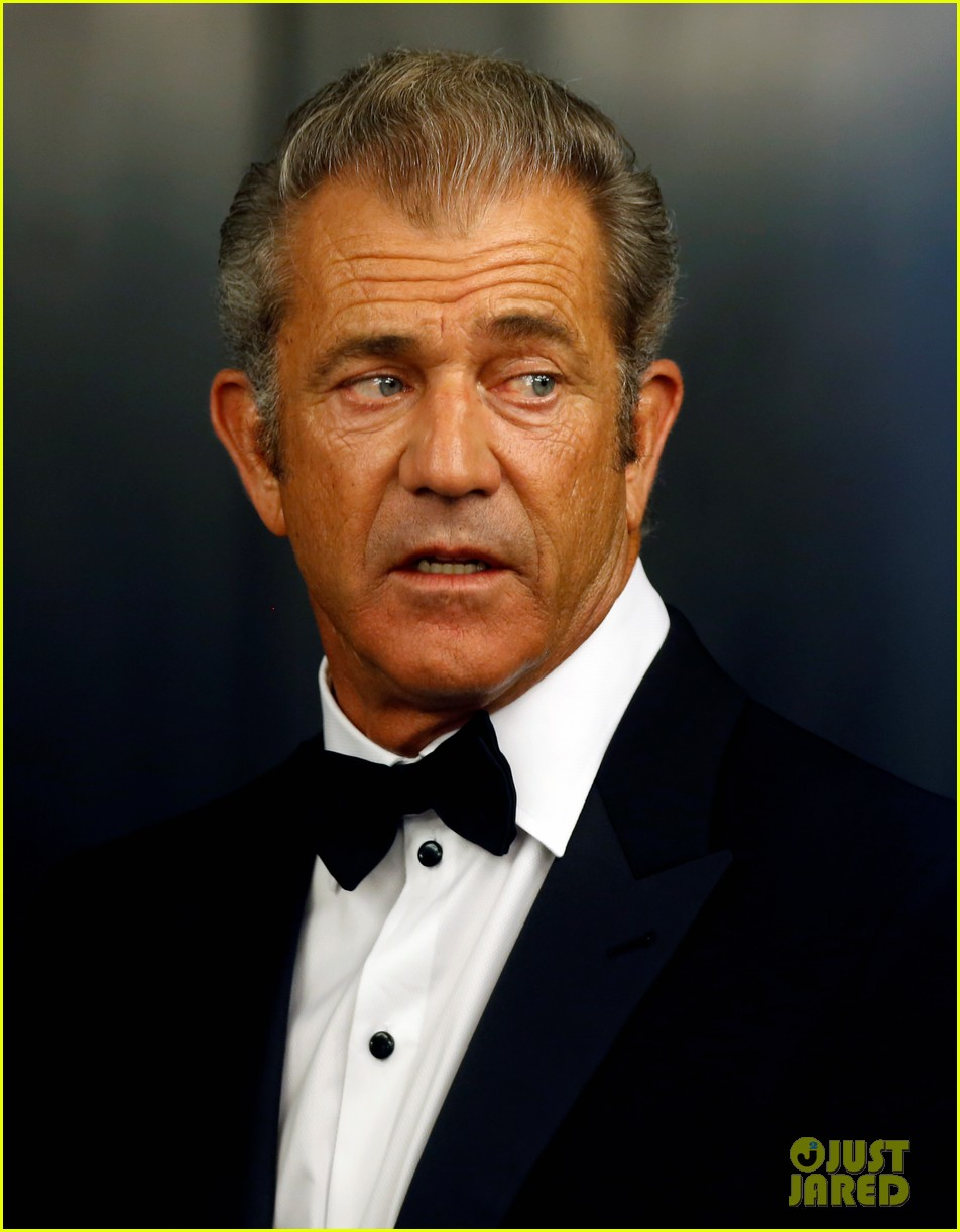 mel gibson crystal globe karlovy vary international film festival 053150215