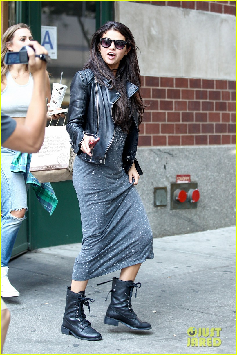 selena gomez chipolte lunch nyc 093153141