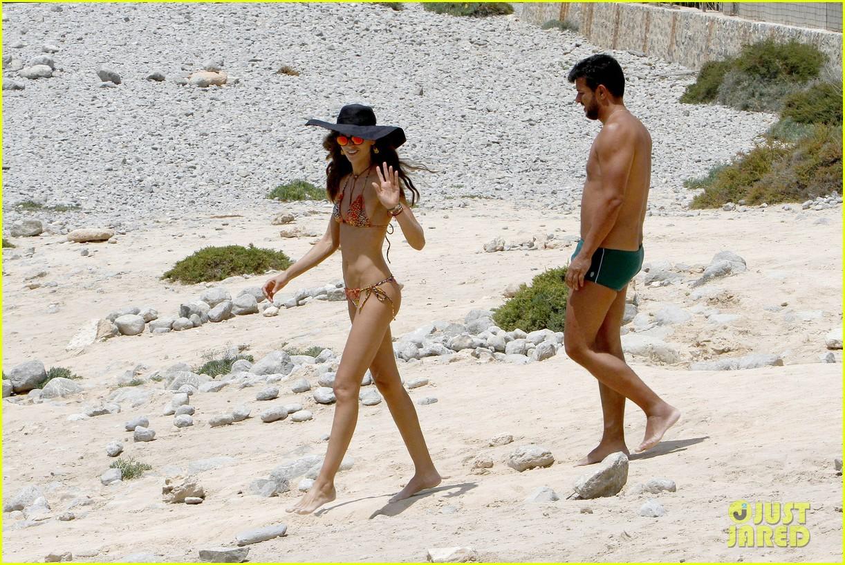 izabel goulart bikini boyfriend marcelo costa 133148564