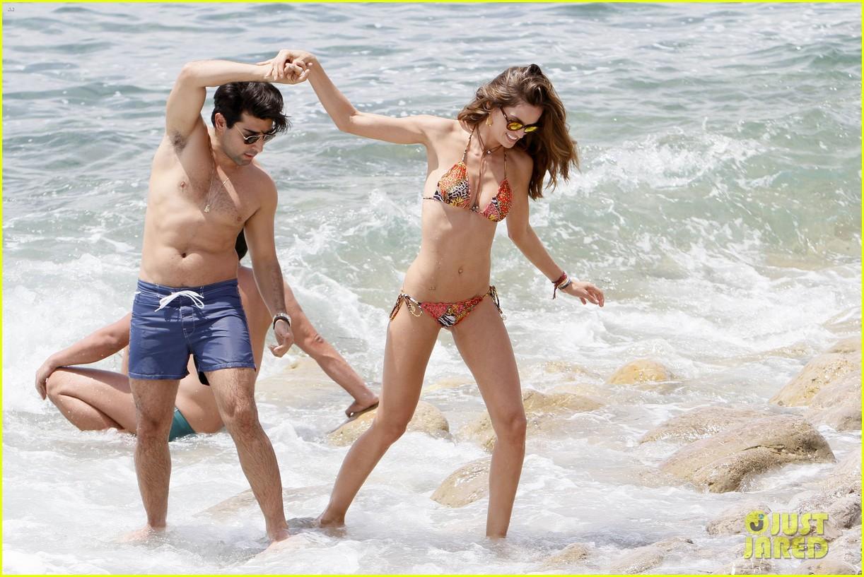 izabel goulart bikini boyfriend marcelo costa 153148566