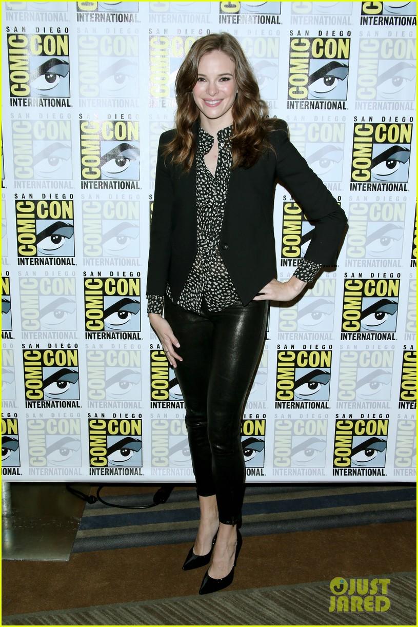 Grant Gustin 'Flash'es Into Comic-Con 2014: Photo 3164748