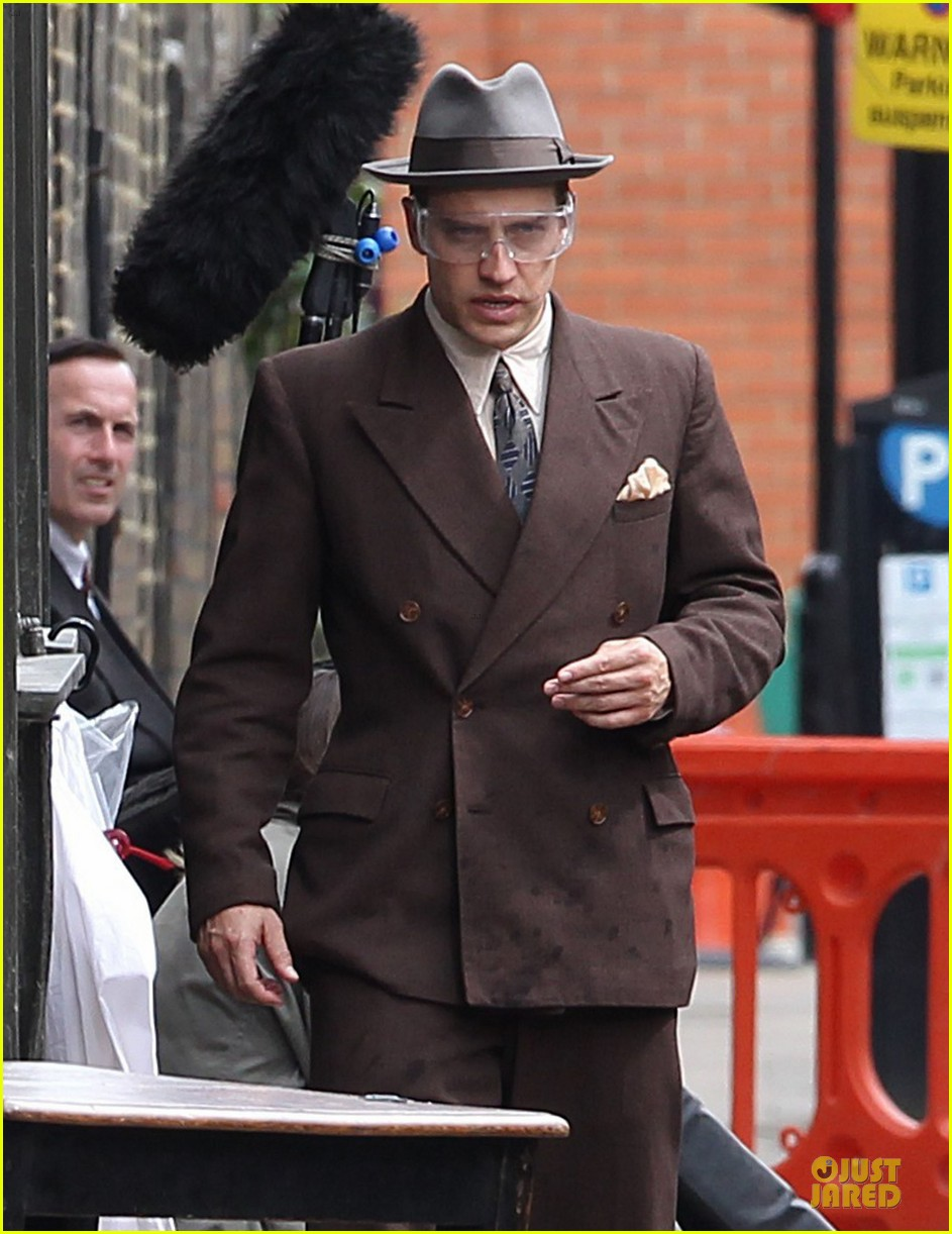 tom hardy looks completely unrecognizable with prosthetics 063151148