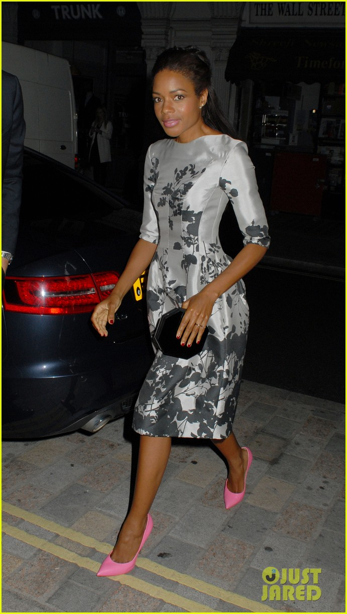 naomie harris helps celebrate virgin atlantics new vivienne westwood 043148289