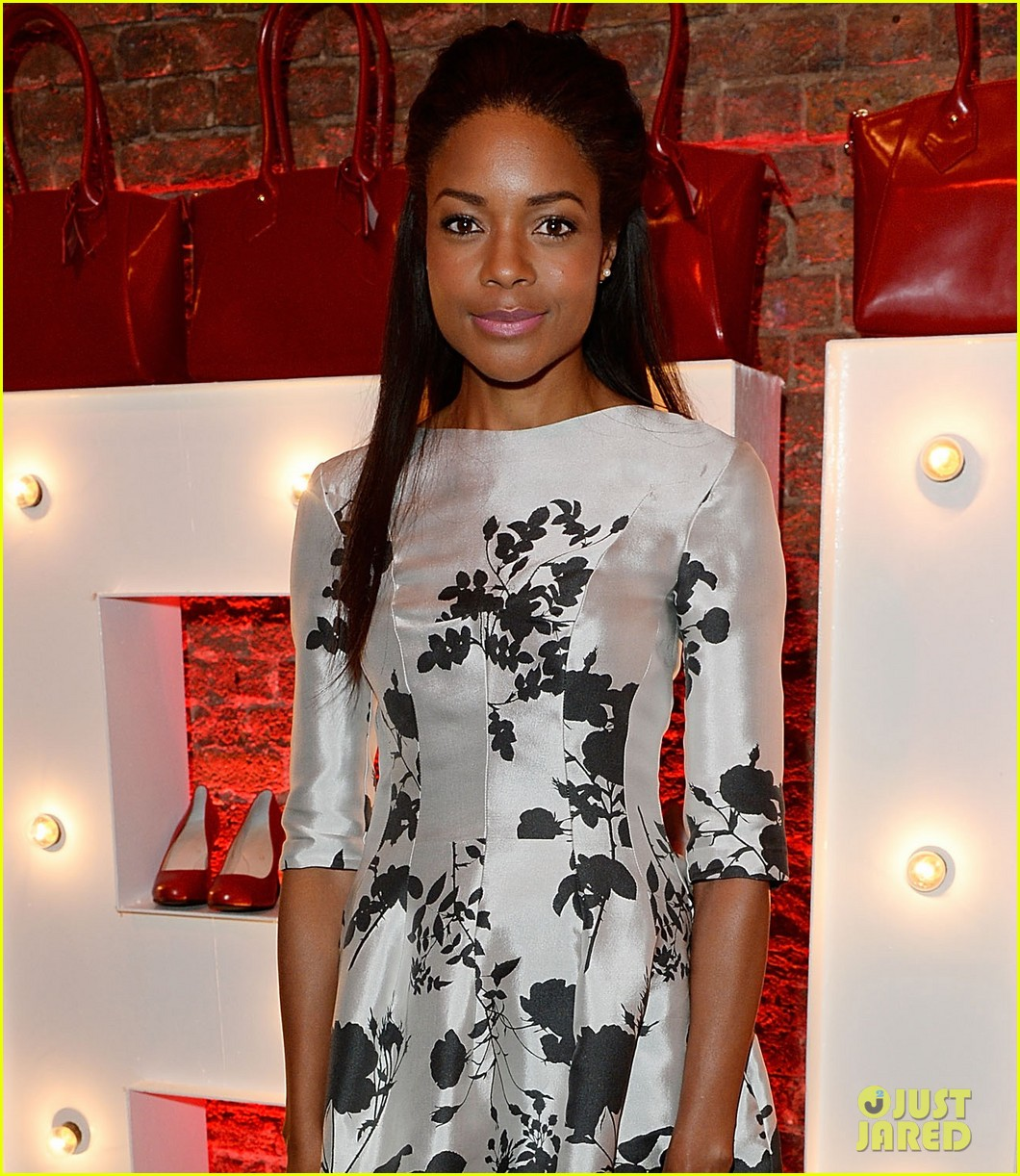 naomie harris helps celebrate virgin atlantics new vivienne westwood 05
