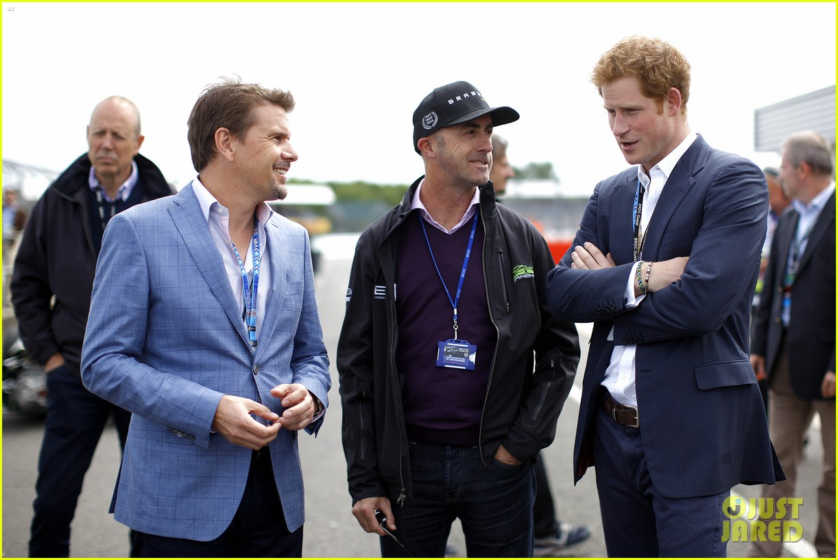 prince harry eventful sunday at the one grand prix 093150852