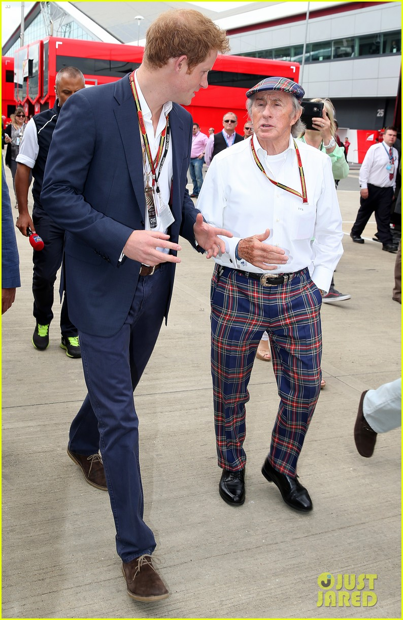 prince harry eventful sunday at the one grand prix 133150856