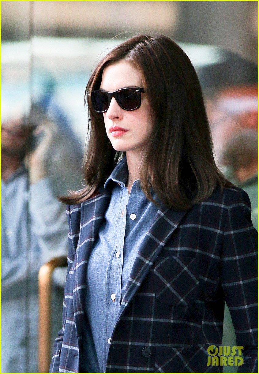 anne hathaway walks the streets of new york in a bathrobe 02