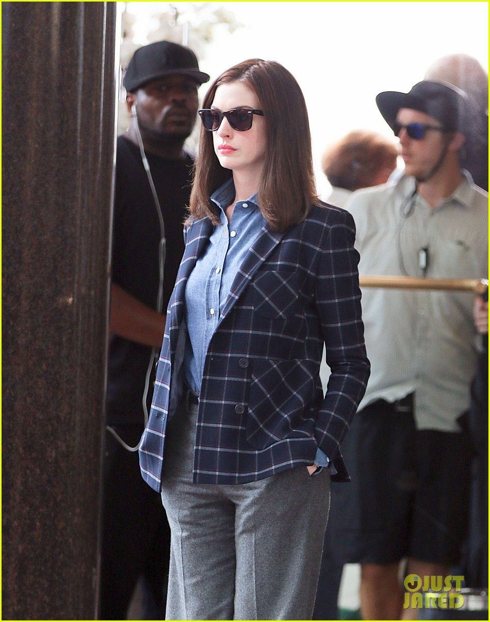 anne hathaway walks the streets of new york in a bathrobe 093153287