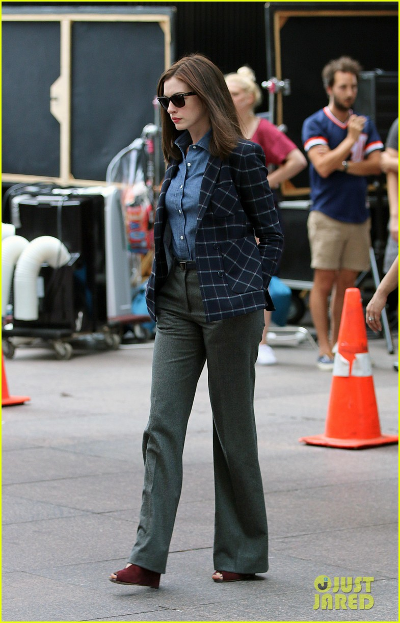 anne hathaway walks the streets of new york in a bathrobe 113153289