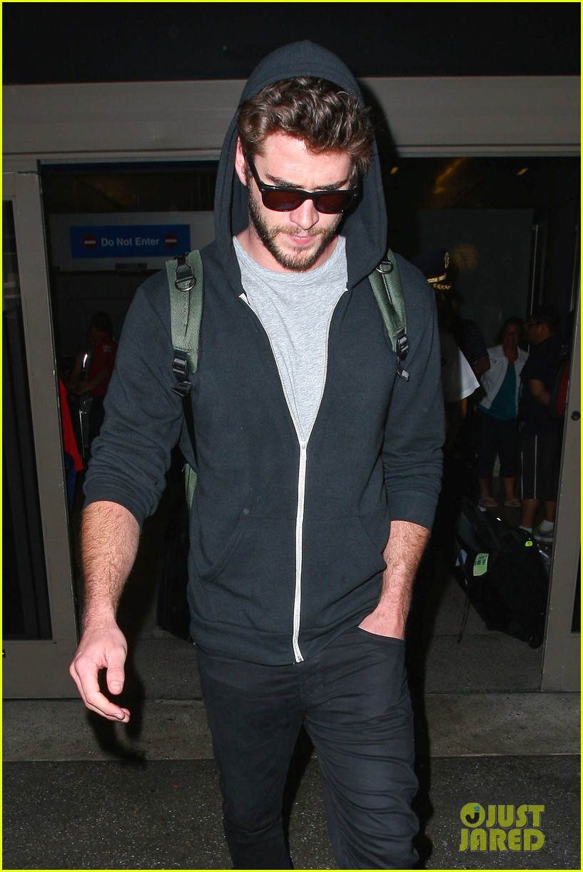 liam hemsworth talks nice miley cyrus 083153911