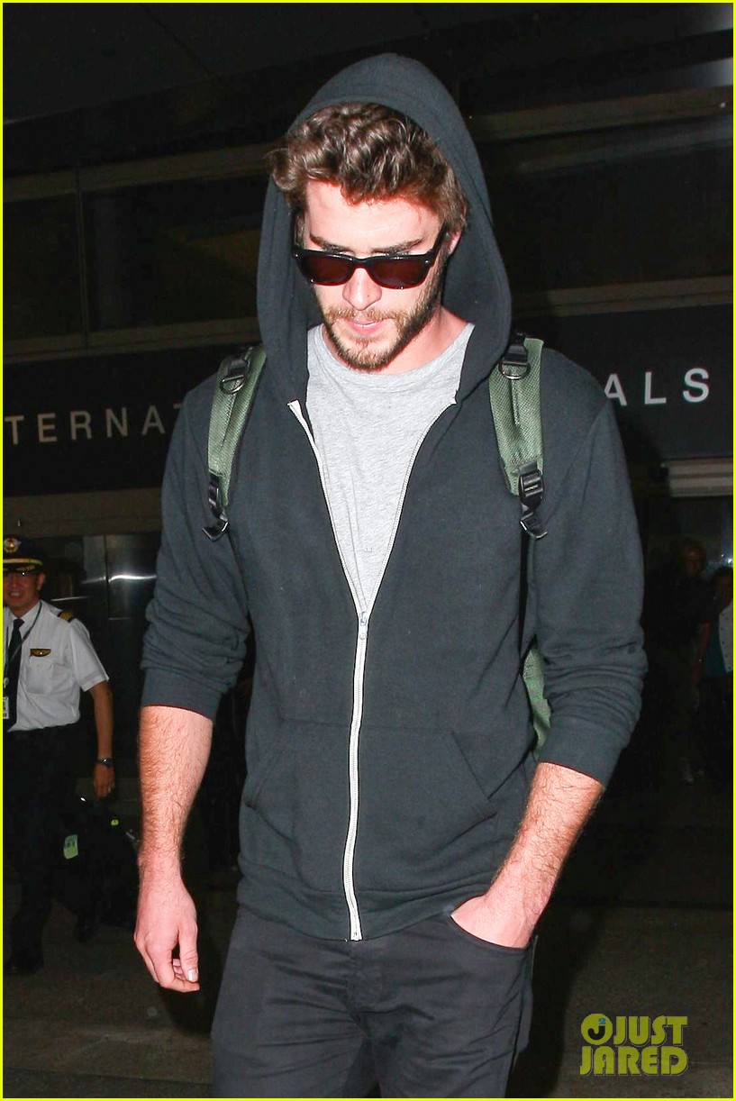 liam hemsworth talks nice miley cyrus 103153913
