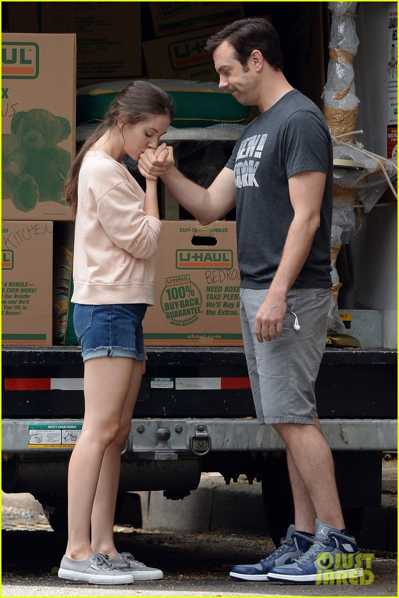 jason sudeikis alison brie film tiring moving scene for sleeping with other people 013149006