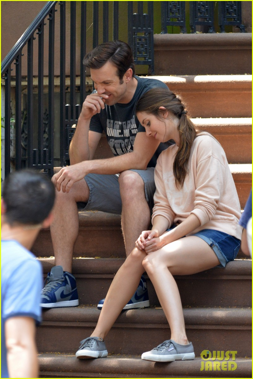 jason sudeikis alison brie film tiring moving scene for sleeping with other people 093149014