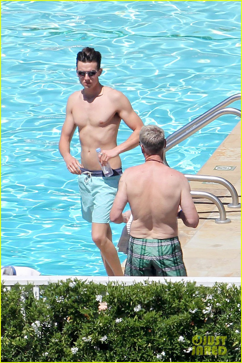 joe simpson hits the pool with a much younger man 063150035