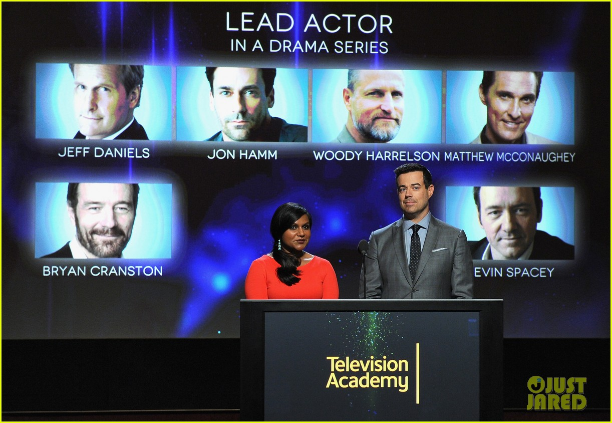mindy kaling carson daly announce the emmy nominations 2014 073152983