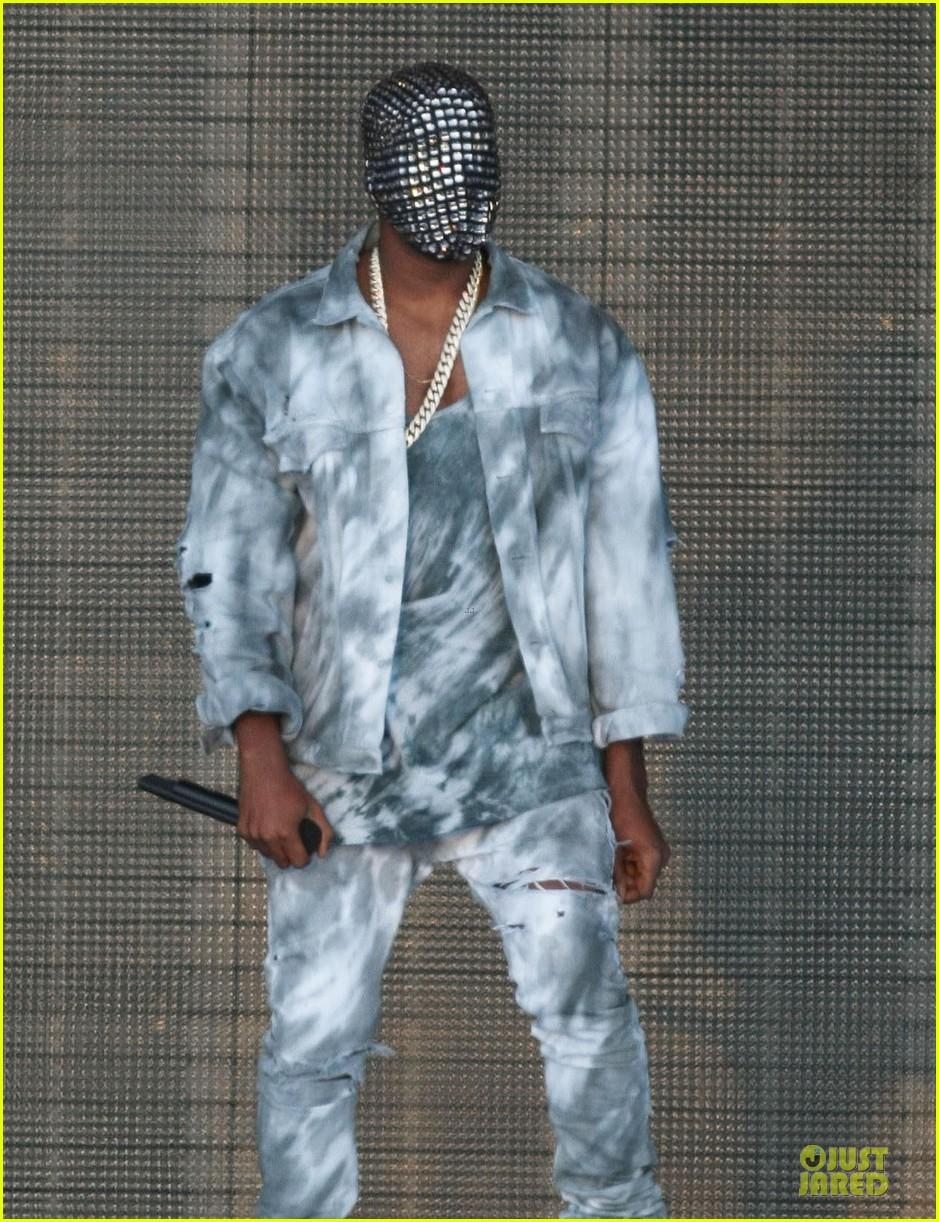 kanye west sports flashy mask wireless festival 043150726