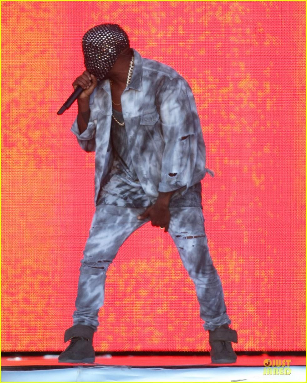 kanye west sports flashy mask wireless festival 063150728