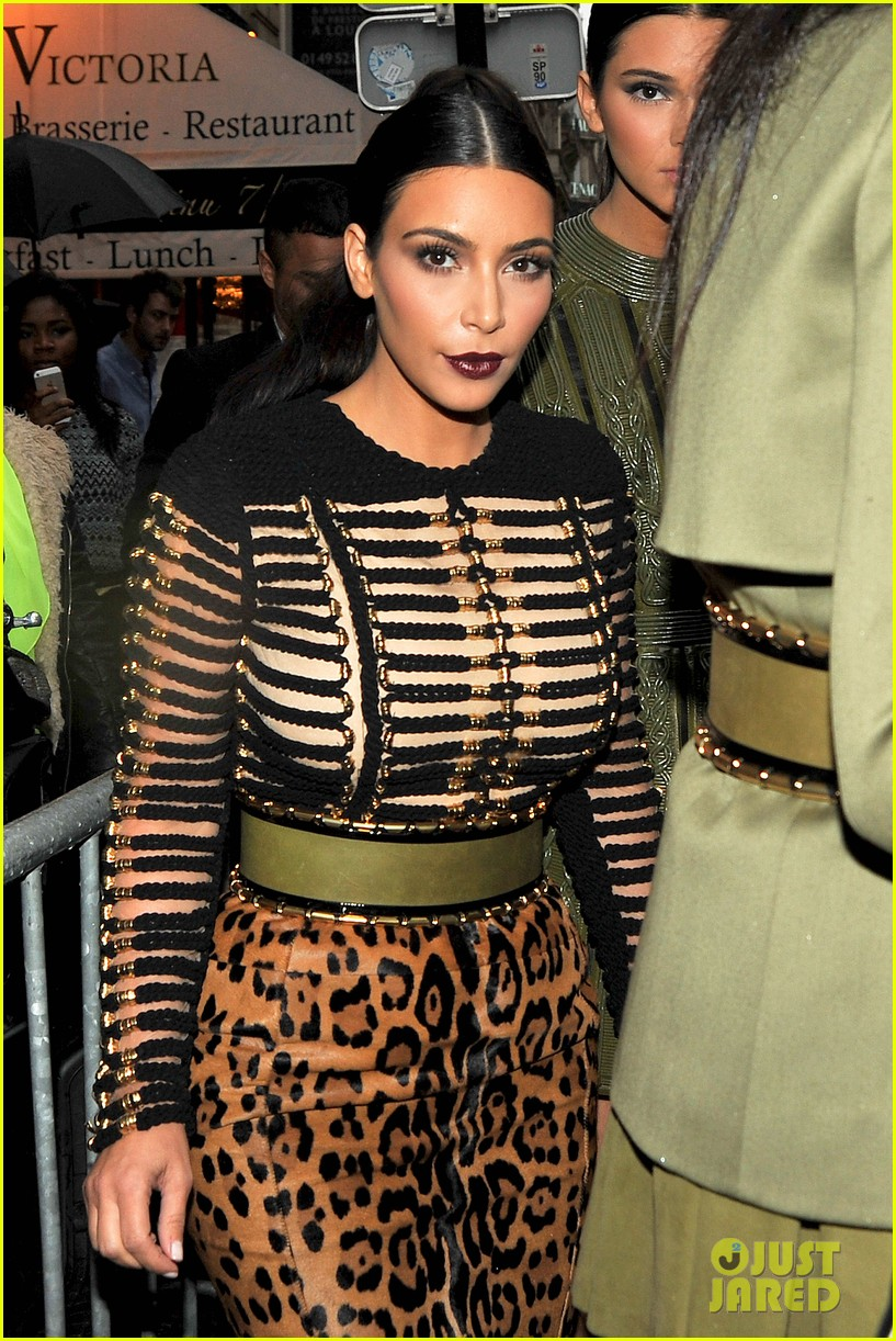 kim kardashian kendall jenner balmain paris fashion week 023152445