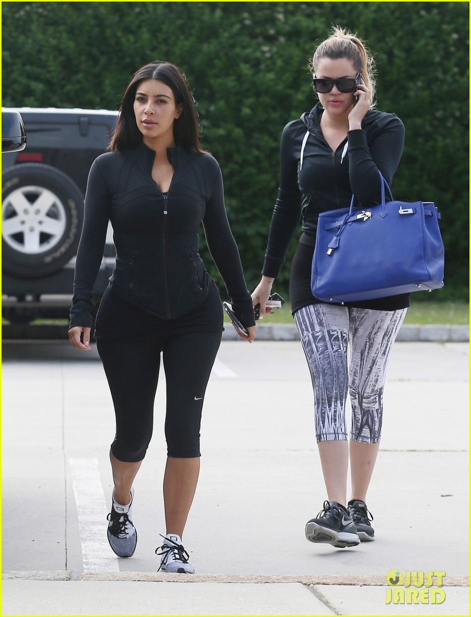 kim khloe kourtney kardashian get in a morning workout 01