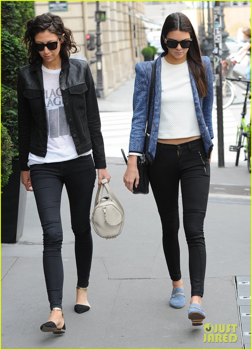 kendall jenner jets paris after hamptons getaway 123150882
