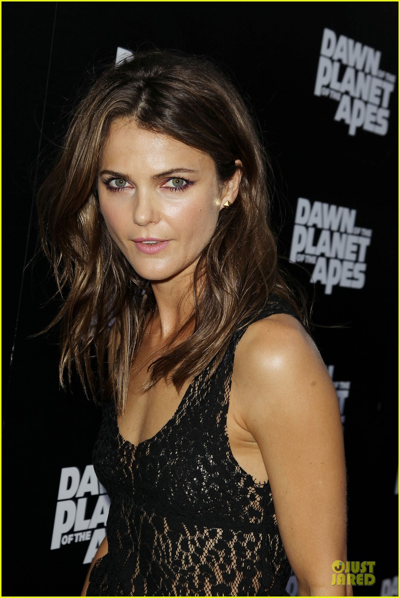 keri russell sheer at dawn of the planets of the apes premiere 07