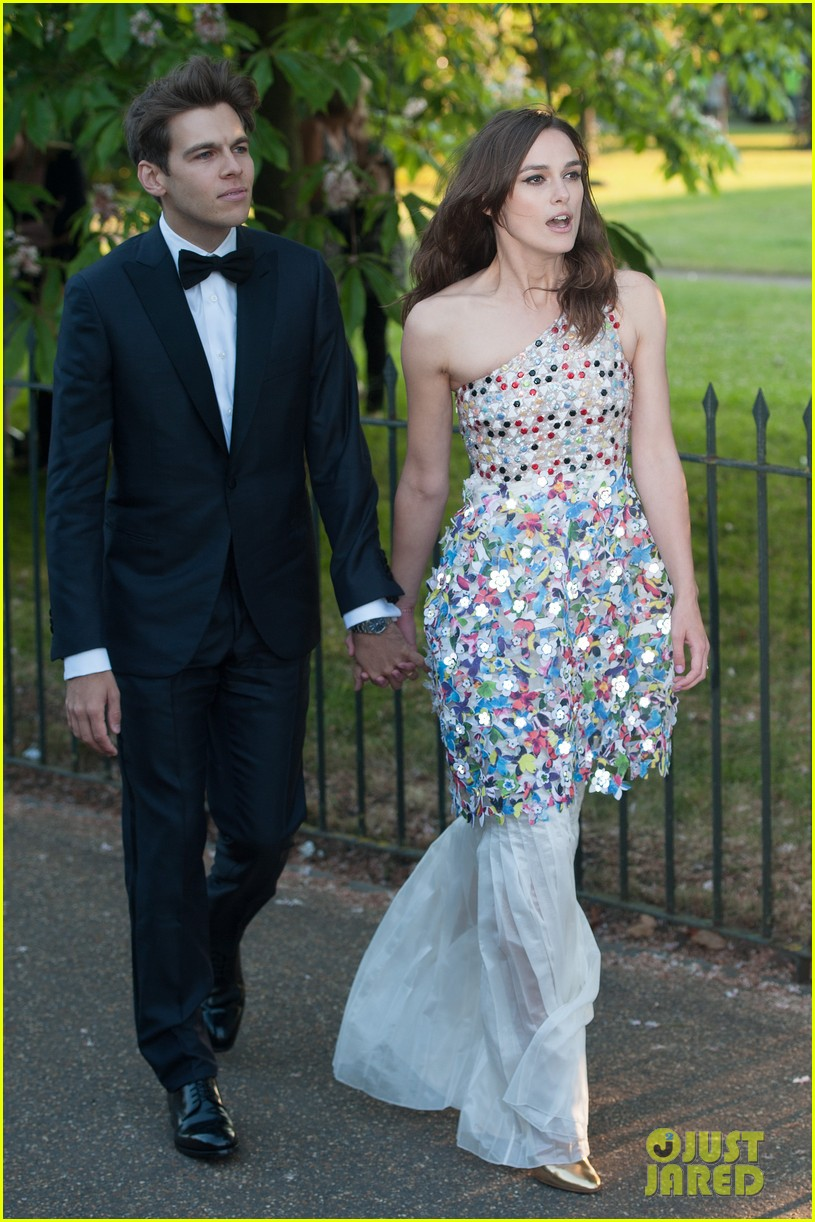 keira knightley james righton share adorable moment at serpentine gallery party 053147799