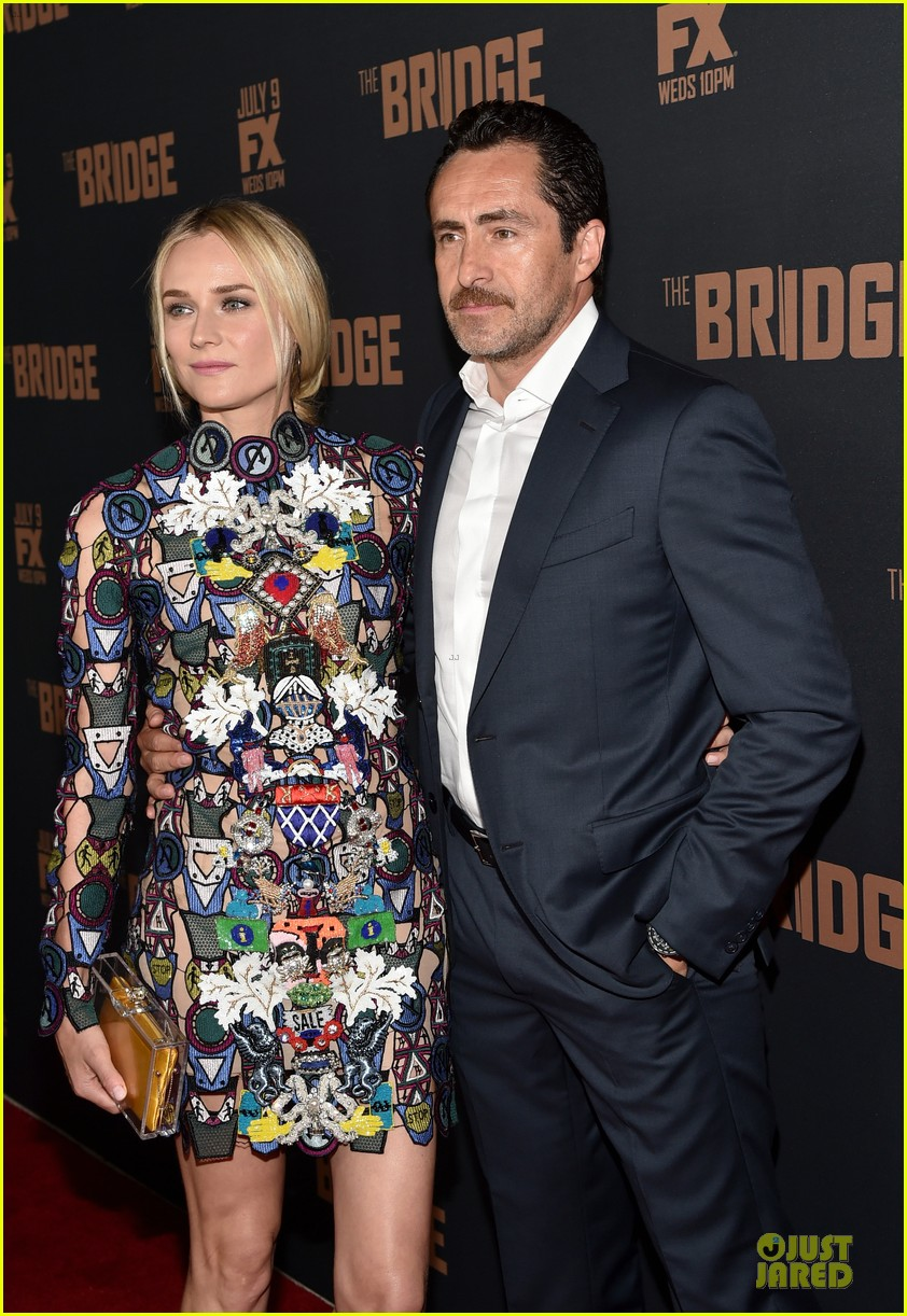 diane kruger brings colorful fashion sense to bridge premiere 133151529