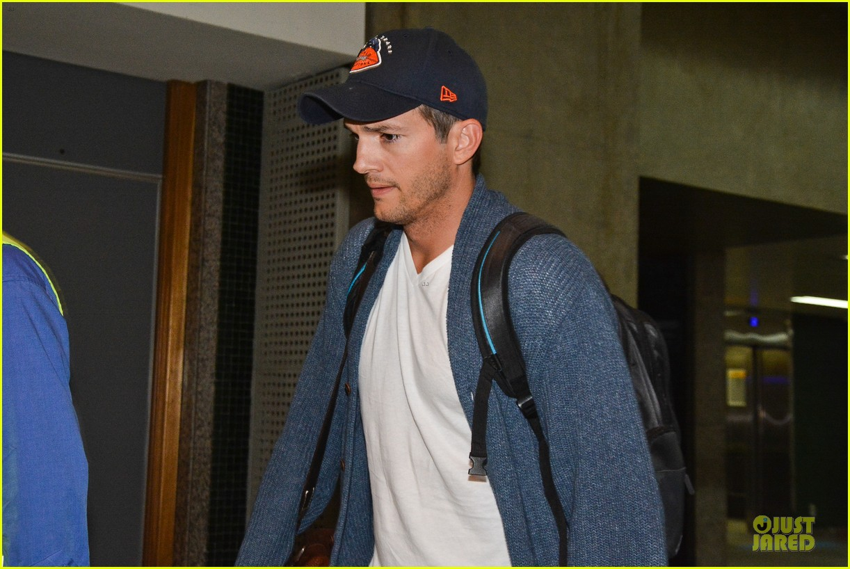 ashton kutcher gets ready for fifa world cup finals 193151247