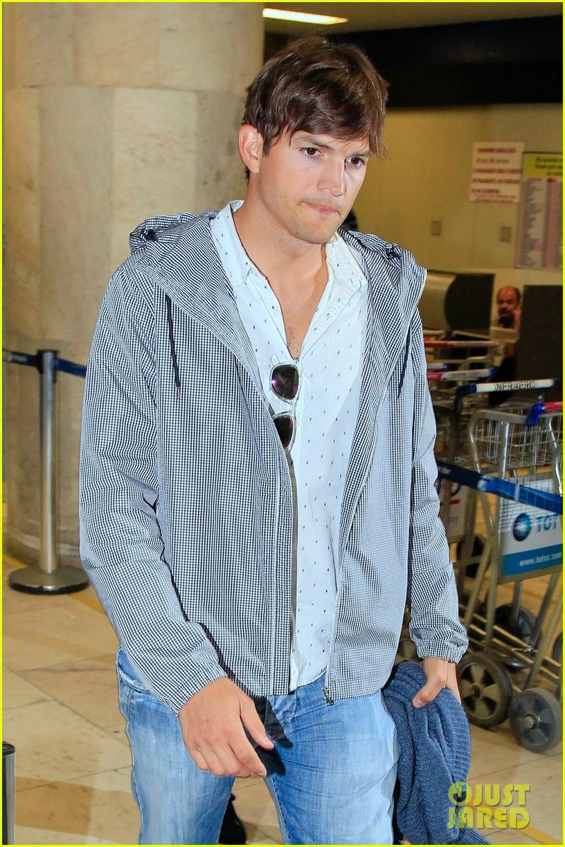 will ashton kutcher mila kunis get married in secret 023152700