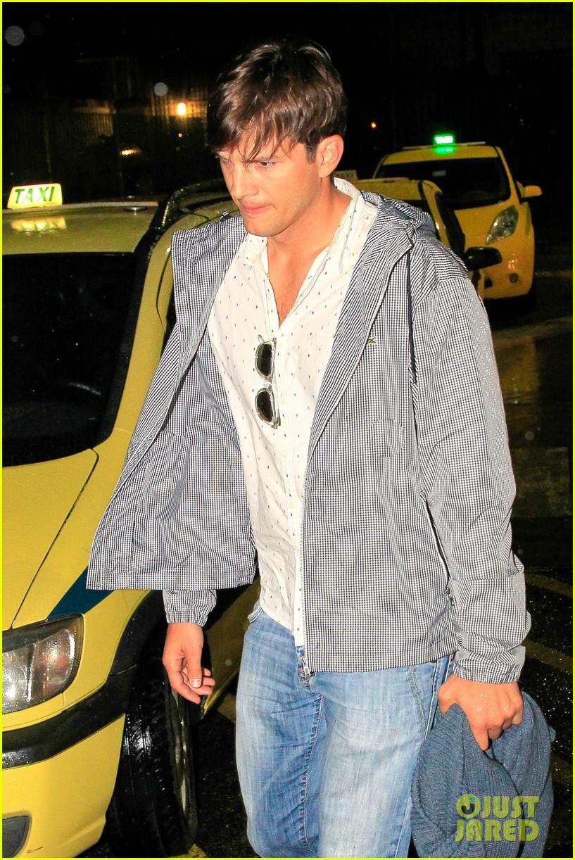 will ashton kutcher mila kunis get married in secret 043152702