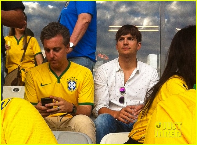 ashton kutcher happy to be world cup semifinals 023151818