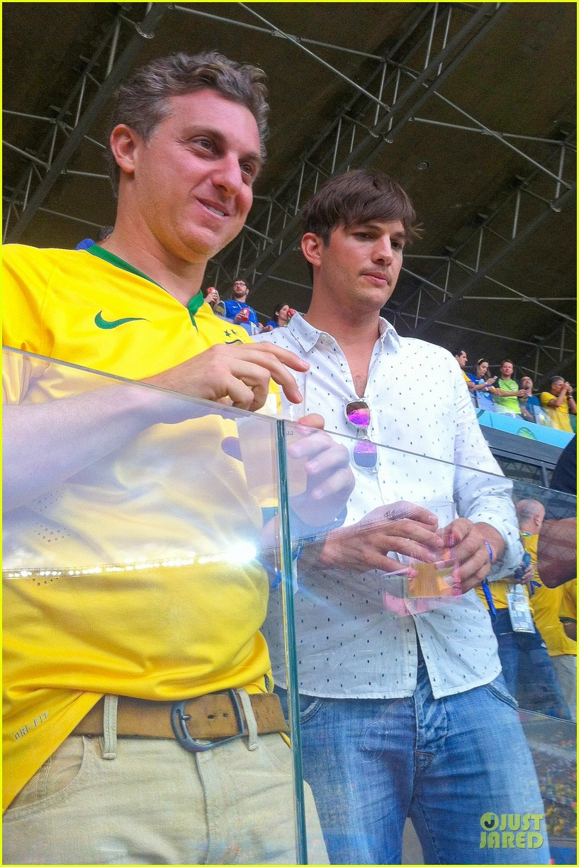 ashton kutcher happy to be world cup semifinals 043151820