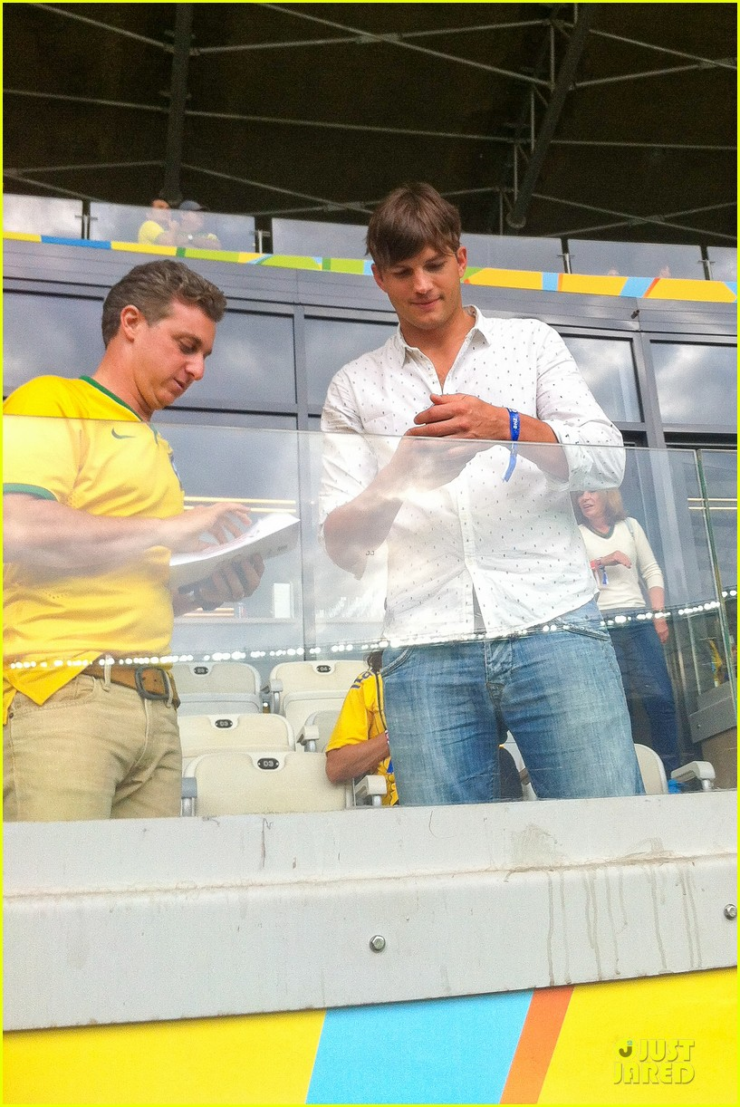 ashton kutcher happy to be world cup semifinals 073151823