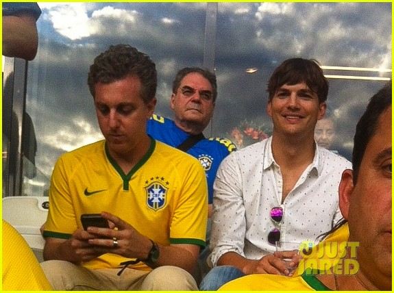 ashton kutcher happy to be world cup semifinals 143151830