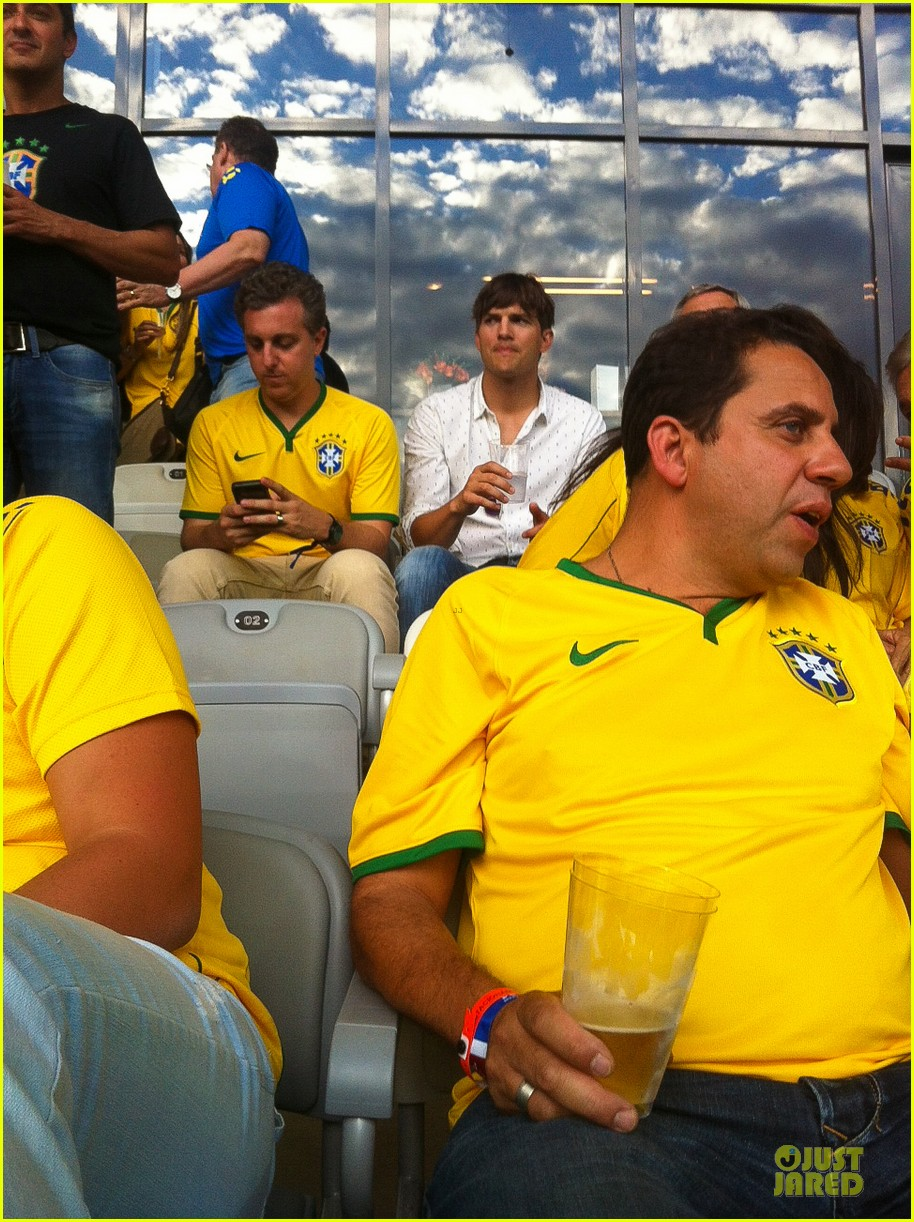 ashton kutcher happy to be world cup semifinals 193151835