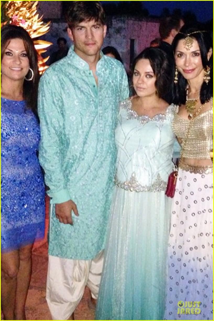 ashton kutcher dons turban at indian wedding 123150255
