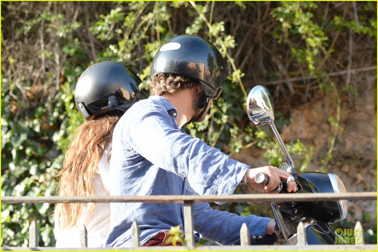 lana del rey steps out with new boyfriend francesco carrozzini 083148178