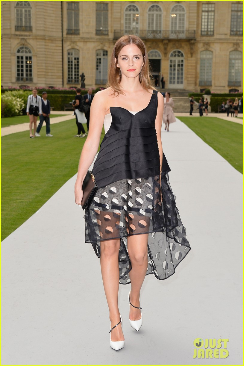 jennifer lawrence emma watson christian dior fashion show 053151014