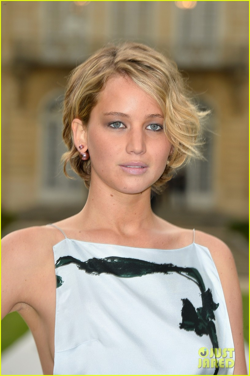 jennifer lawrence emma watson christian dior fashion show 063151015