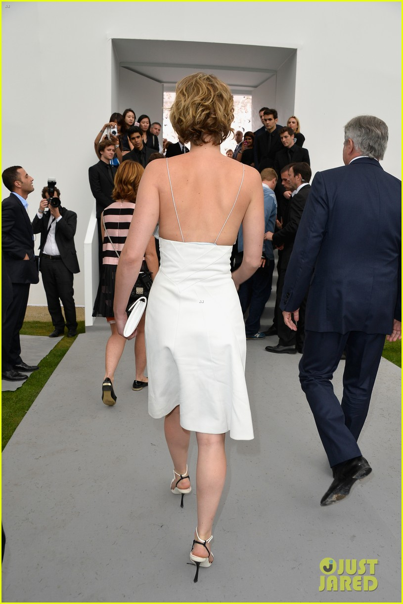 jennifer lawrence emma watson christian dior fashion show 11