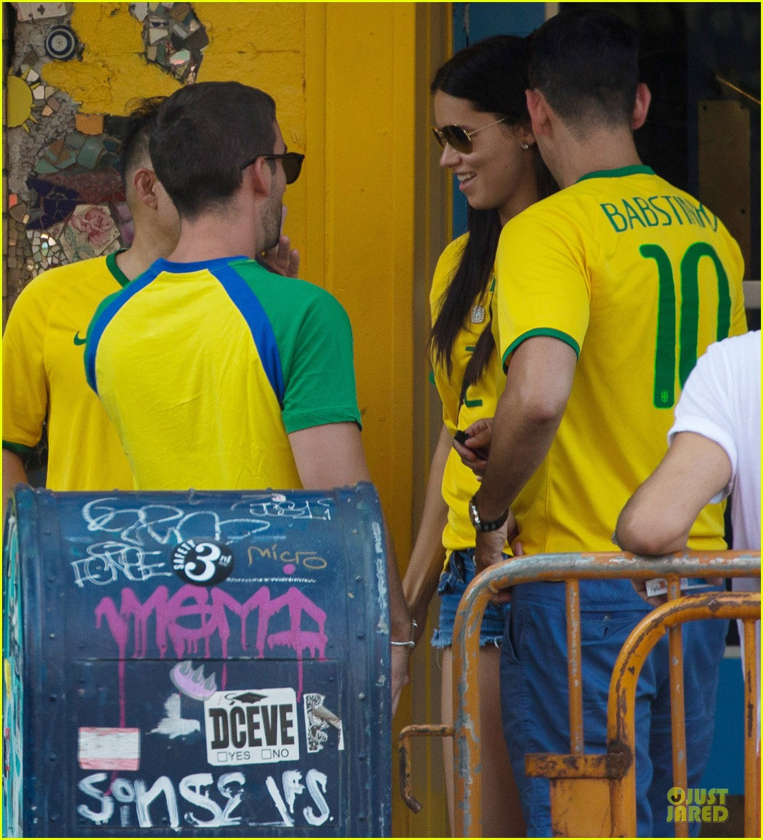 adriana lima alessandra ambrosio support brazil in world cup defeat 043151893