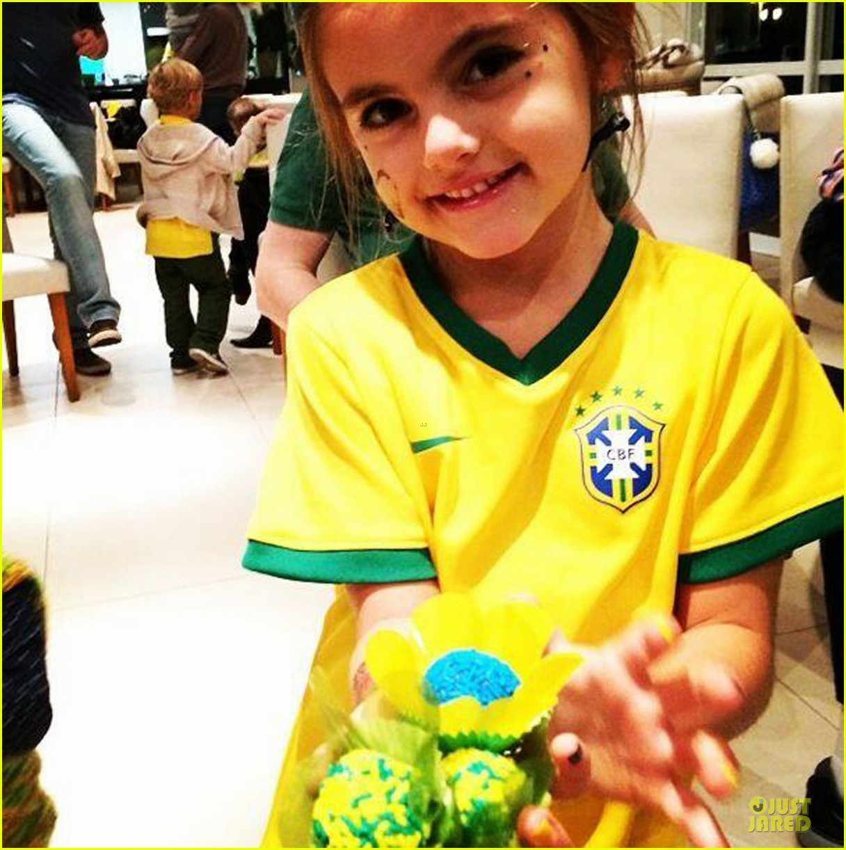 adriana lima alessandra ambrosio support brazil in world cup defeat 053151894
