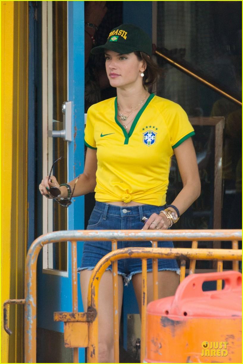 adriana lima alessandra ambrosio support brazil in world cup defeat 093151898